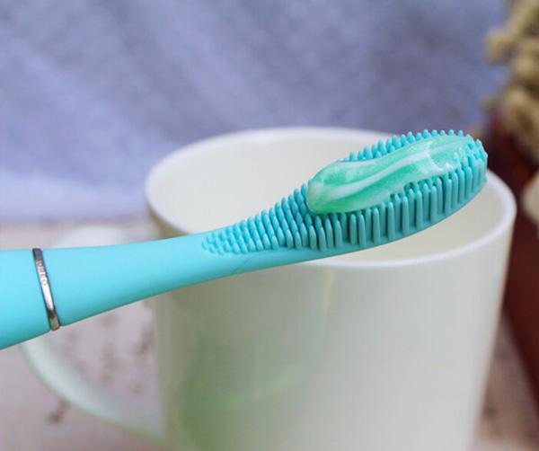 电动牙刷防水